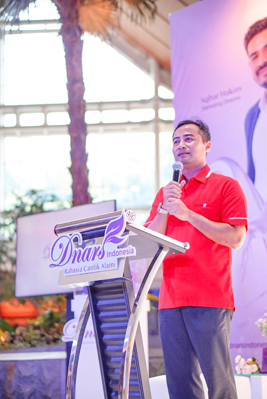 Event Grand Launching - Dnars Plane Livery - Bapak Heru Susilo Director of Maintenance  Engineering AirAsia